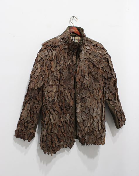 hugh hayden sculpture armor bark coat camoflauge burberry art